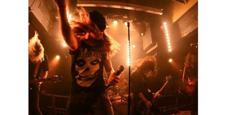 Sweet Needles , groupe de musique Rock en représentation - photo de couverture