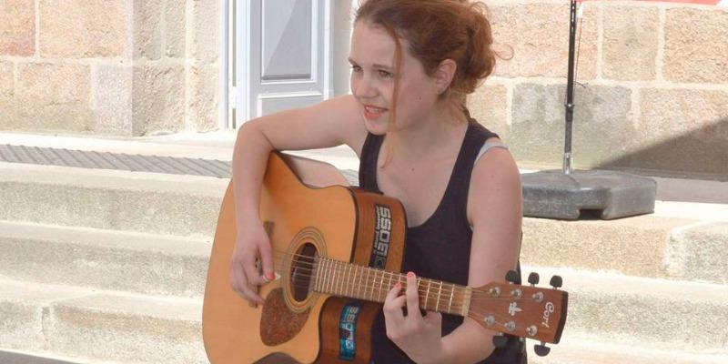 Audrey Loyé, musicien Rock en représentation - photo de couverture n° 2
