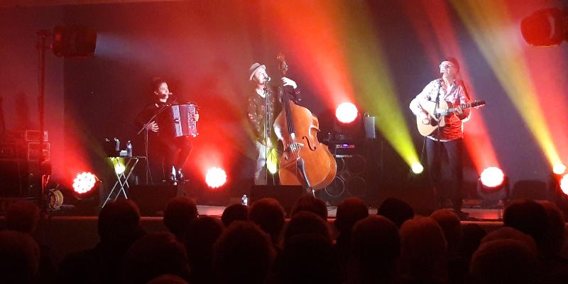 LA MARQUISE , groupe de musique Chanteur en représentation à Paris - photo de couverture n° 3