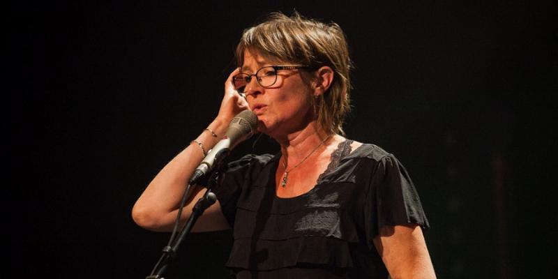 La Bergère / Les Noumènes / Ladrolla, groupe de musique Chanteur en représentation - photo de couverture n° 3
