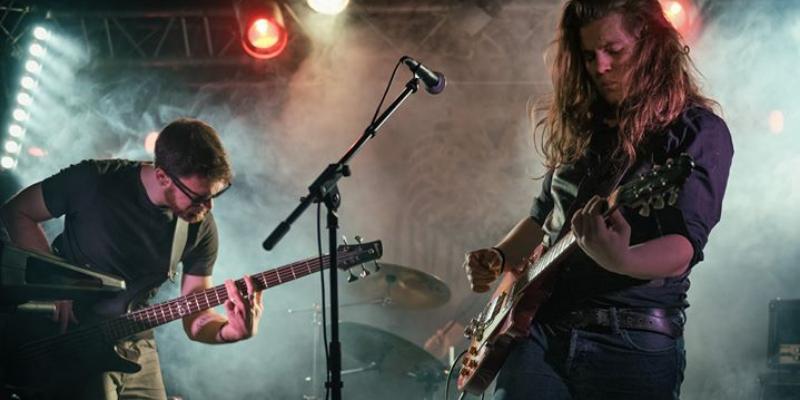 OVERMEIL, groupe de musique Rock en représentation - photo de couverture n° 1