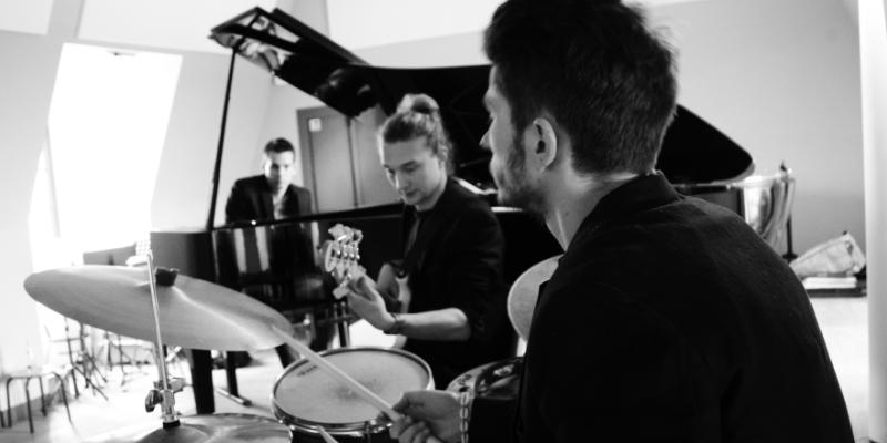 Emergency Lane , groupe de musique Jazz en représentation à Val de Marne - photo de couverture n° 3