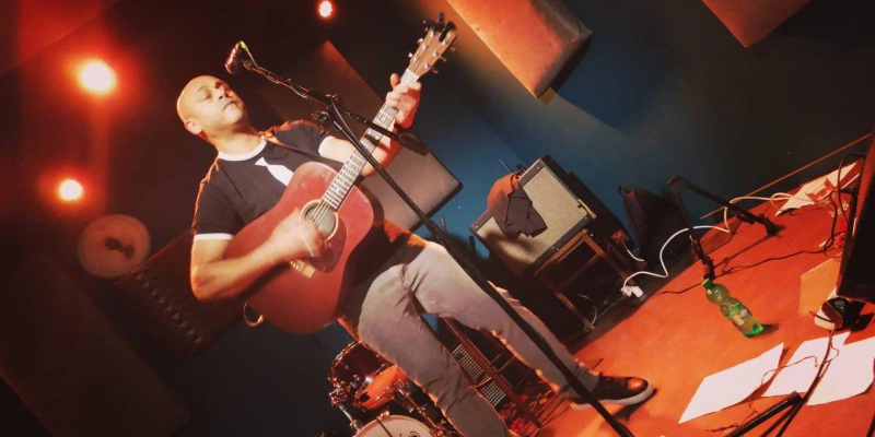 Saam, musicien Chanteur en représentation à Seine Saint Denis - photo de couverture n° 1