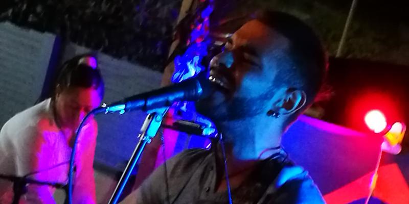 JUAN ANTONIO FDZ, groupe de musique Chanteur en représentation - photo de couverture n° 1