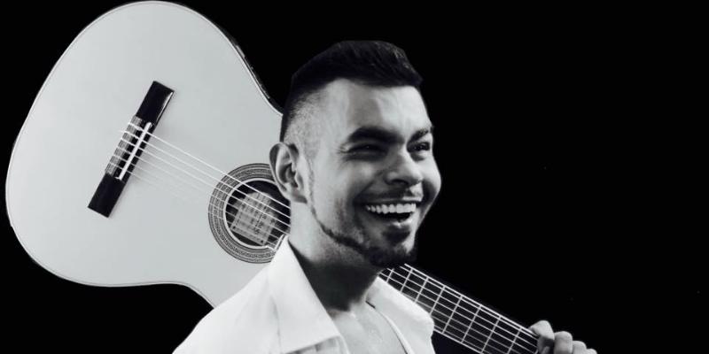 JUAN ANTONIO FDZ, groupe de musique Chanteur en représentation - photo de couverture n° 2