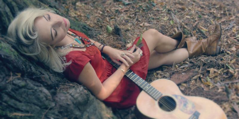 Mary Reynaud, musicien Acoustique en représentation - photo de couverture n° 3