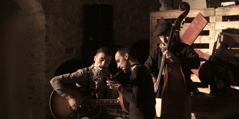 No Thirteen Claps, groupe de musique Folk en représentation à Vendée - photo de couverture n° 2