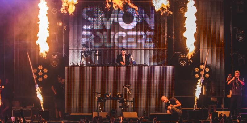 Simon Fougère, DJ Dj en représentation - photo de couverture n° 1