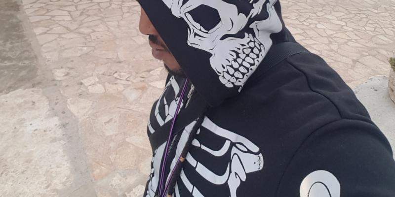 Guru Bones , musicien Chanteur en représentation à Gironde - photo de couverture