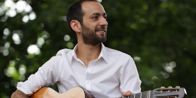 La Tostaki compagnie, musicien Guitariste en représentation à Rhône - photo de couverture n° 2