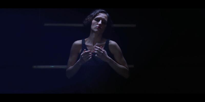 LAURA CLAUZEL, musicien Chanteur en représentation à Paris - photo de couverture