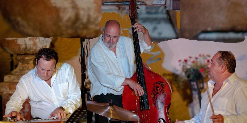 French Sumo, groupe de musique Jazz en représentation - photo de couverture n° 1