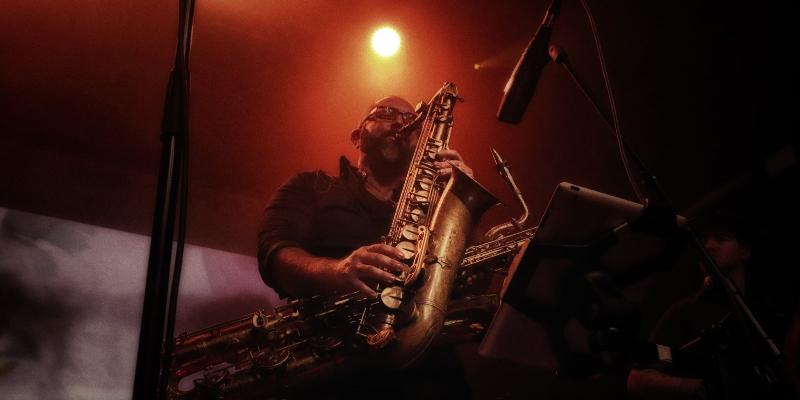 Monsieur SAX, DJ Dj en représentation à Hérault - photo de couverture n° 3