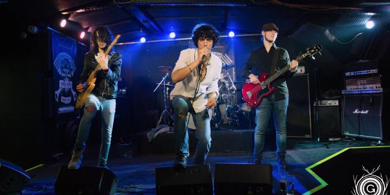 François Jimmy Mevoras, groupe de musique Rock en représentation à Loire - photo de couverture n° 1