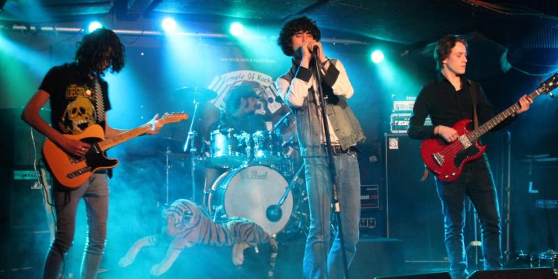 François Jimmy Mevoras, groupe de musique Rock en représentation à Loire - photo de couverture n° 3
