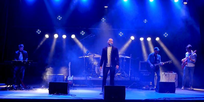 Tribute Calogero un jour parfait, groupe de musique Rock en représentation à Nord - photo de couverture n° 1