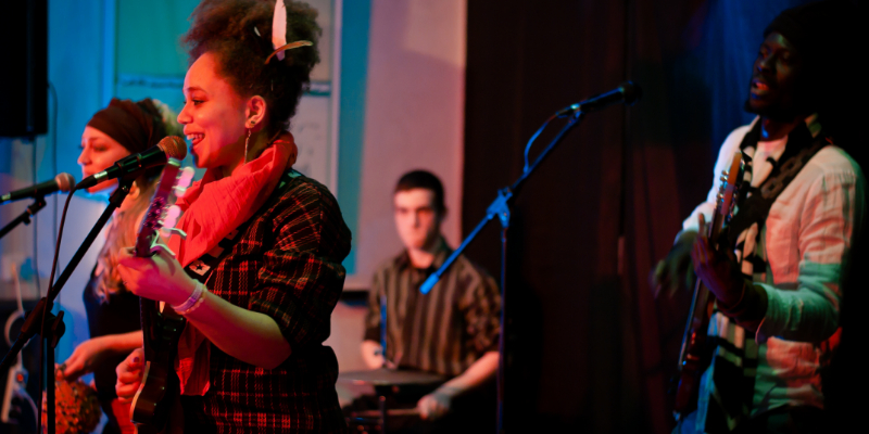Oriélo, groupe de musique Jazz en représentation à Loiret - photo de couverture n° 1
