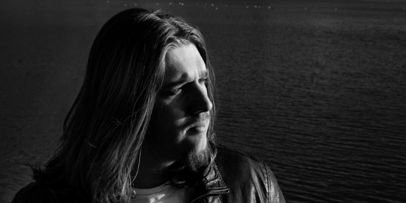 Tom Hartis, musicien Rock en représentation à Eure - photo de couverture n° 2