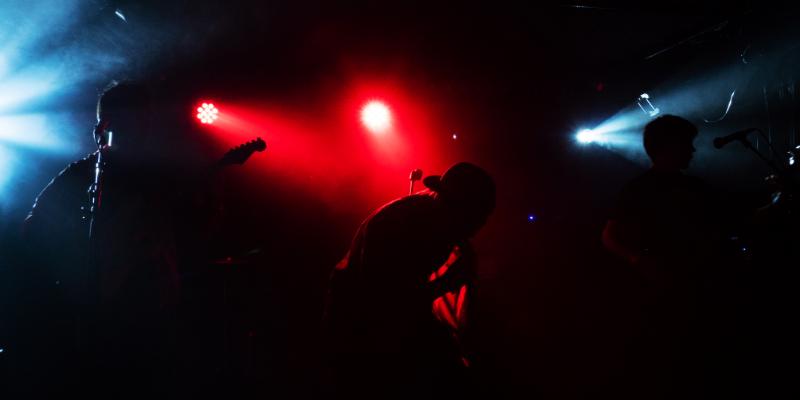 Ismail, musicien Rock en représentation à Paris - photo de couverture