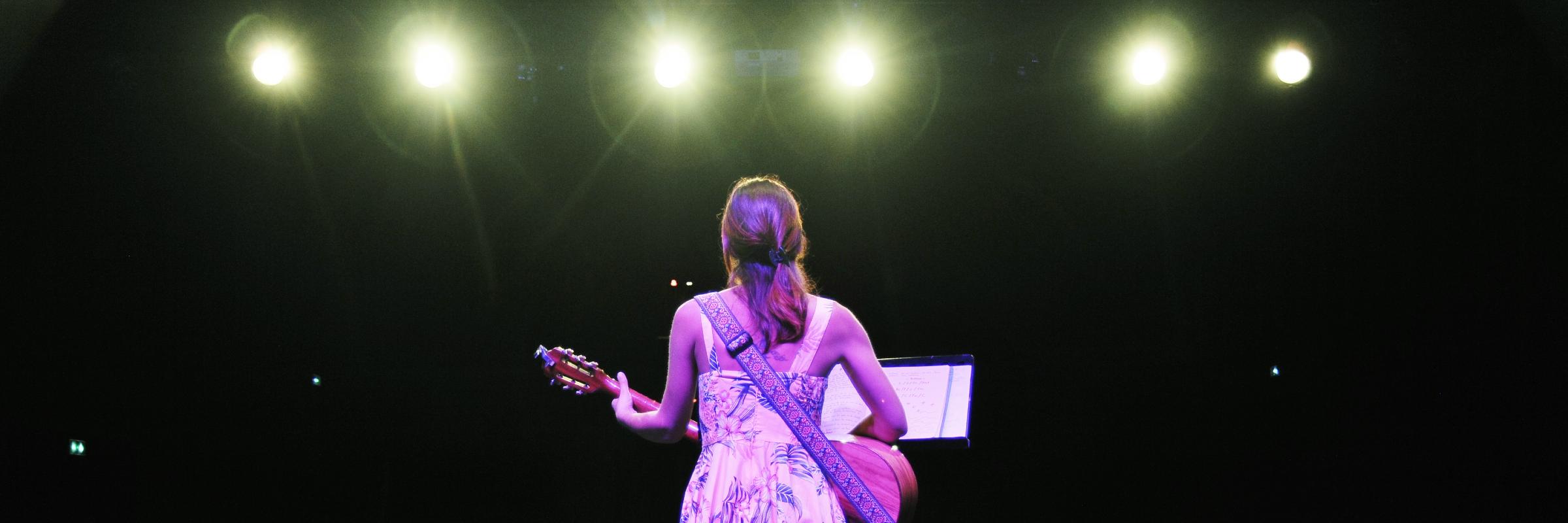 Alice Darlix, musicien Chanteur en représentation à Haute Savoie - photo de couverture n° 2