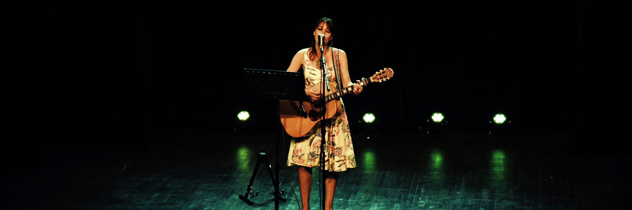 Alice Darlix, musicien Chanteur en représentation à Haute Savoie - photo de couverture n° 3