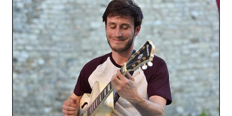 Le Guerinel, musicien Guitariste en représentation à Rhône - photo de couverture n° 1