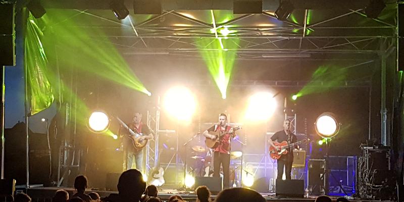 Fily Gaetan, groupe de musique Rock en représentation à Finistère - photo de couverture