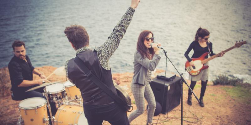Mustang, groupe de musique Rock en représentation à Alpes Maritimes - photo de couverture n° 2