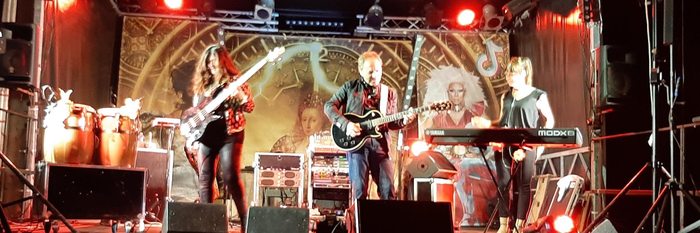 Lo Roch, groupe de musique Rock en représentation à Charente Maritime - photo de couverture n° 3