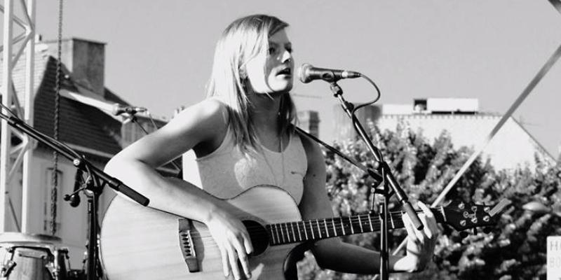 Déborah Biver , musicien Chanteur en représentation à Pyrénées Atlantiques - photo de couverture n° 3