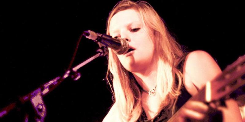 Déborah Biver , musicien Chanteur en représentation à Pyrénées Atlantiques - photo de couverture n° 1