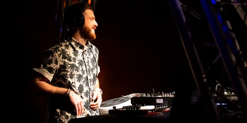 House of cajon , DJ Dj en représentation à Bouches du Rhône - photo de couverture n° 2