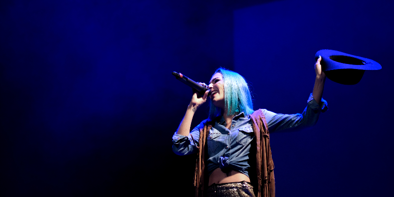 Céline, musicien Chanteur en représentation à Saône et Loire - photo de couverture n° 3