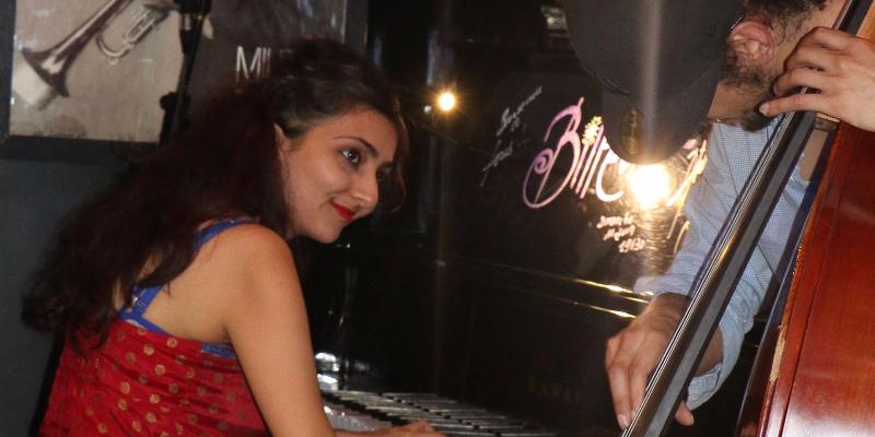 Swarna Mehta, musicien Jazz en représentation à Paris - photo de couverture n° 1