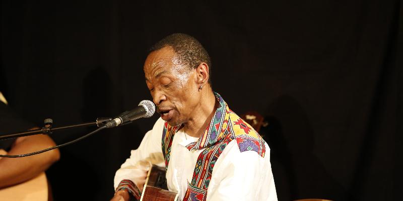 Sam TSHABALALA, groupe de musique Musique Africaine en représentation à Paris - photo de couverture