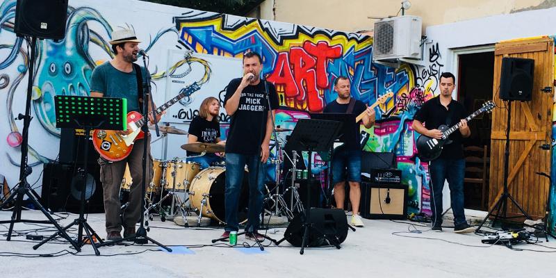 Y2K Groupe de Reprises Rock Alternatif à Aix en Provence et Marseille, groupe de musique Rock en représentation à Bouches du Rhône - photo de couverture n° 1