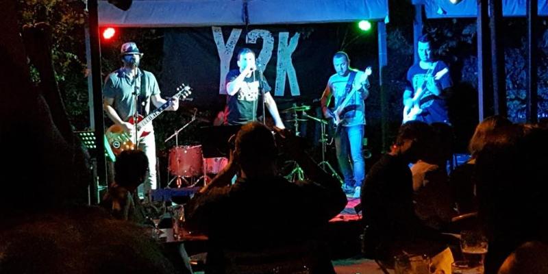 Y2K Groupe de Reprises Rock Alternatif à Aix en Provence et Marseille, groupe de musique Rock en représentation à Bouches du Rhône - photo de couverture n° 2