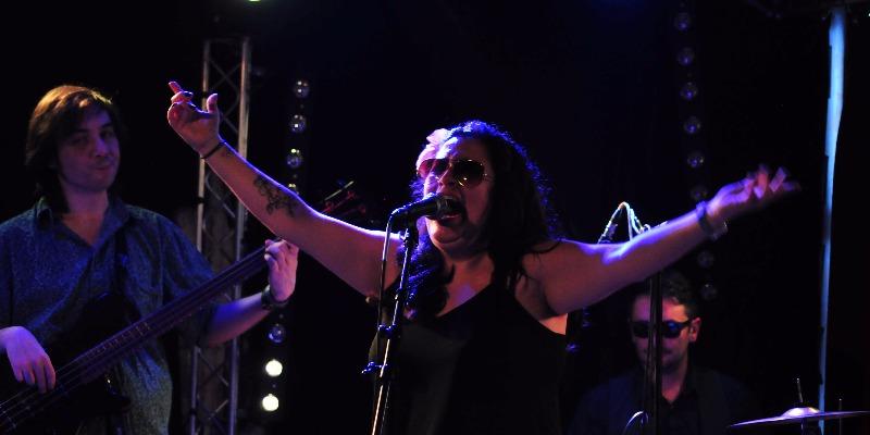 SONORA DE CUMBEAR, groupe de musique Latino en représentation - photo de couverture n° 2