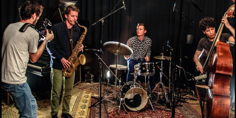 Yamas, groupe de musique Jazz en représentation à Paris - photo de couverture n° 3