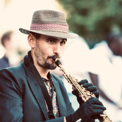 photo de mikOsax - Saxophoniste - Dj Saxophoniste